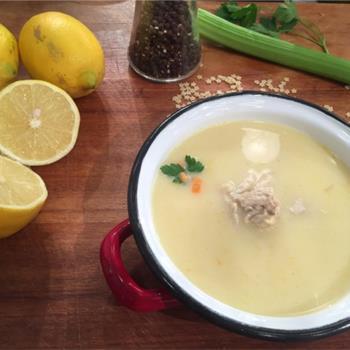 Κοτόσουπα αυγολέμονο