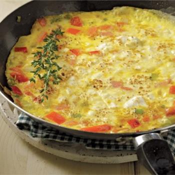 Ομελέτα με τυρί κρέμα και ντομάτα