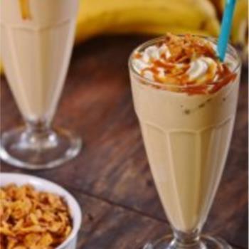 Milkshake με μπανάνα και φιστικοβούτυρο
