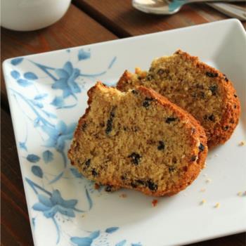 Κέικ με ταχίνι, πορτοκάλι και σταγόνες σοκολάτας νηστίσιμο